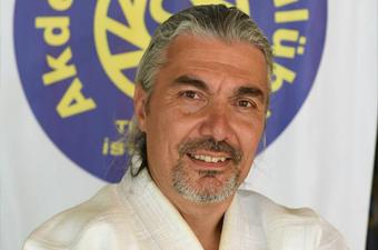 <b>Sezer Ergün</b>